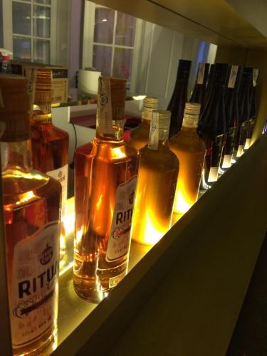 Iluminación mobiliario bares