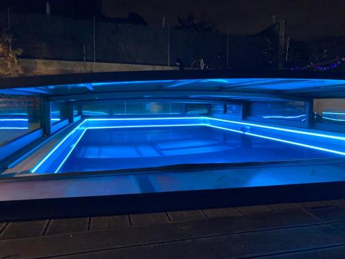 tiras de led piscina electricista